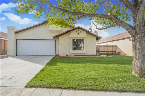 Photo of 37427 Lilacview Avenue, Palmdale, CA 93550 (MLS # 20008997)