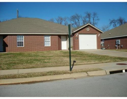 Photo of 835 Meadowlands Drive, Centerton, AR 72719 (MLS # 1157032)
