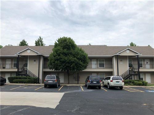 Photo of 1778 N Gregg Avenue #6, Fayetteville, AR 72703 (MLS # 1193034)