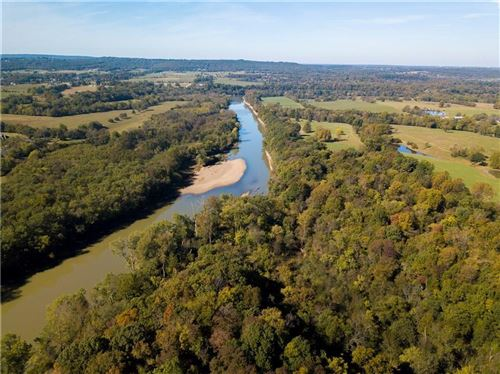 Photo of 1303 River Point Road, Fayetteville, AR 72703 (MLS # 1193038)