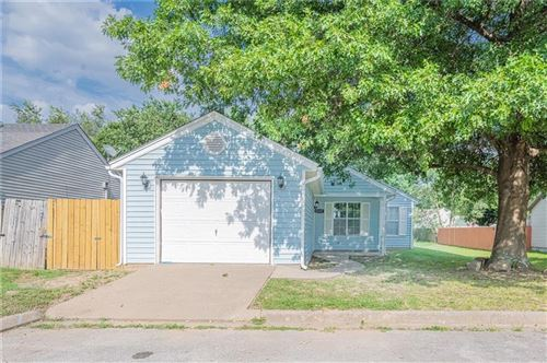 Photo of 1227 12th Place, Rogers, AR 72756 (MLS # 1193104)