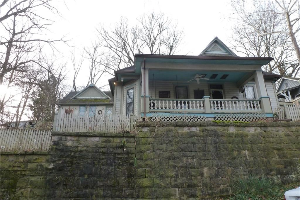 32 Mountain  ST, Eureka Springs, AR 72632 - #: 1136121