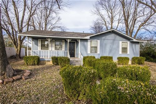 Photo of 726 Mcclure  AVE, Lowell, AR 72745 (MLS # 1134139)