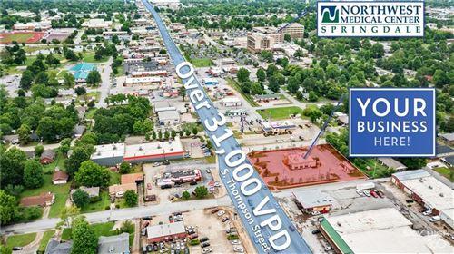 Photo of 4377 N Thompson Street, Springdale, AR 72764 (MLS # 1201181)