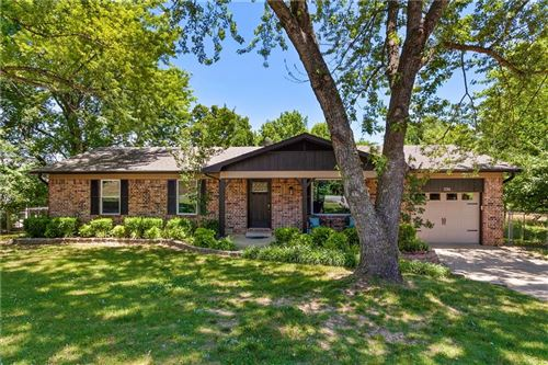 Photo of 226 Happy Hollow Road, Fayetteville, AR 72701 (MLS # 1161198)
