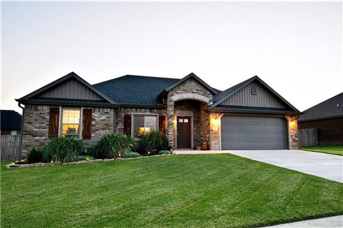 Photo of 611 Sundowner Ranch Avenue, Prairie Grove, AR 72753 (MLS # 1171211)