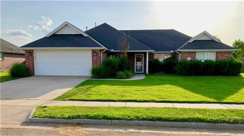 Photo of 2375  N Stonecrest  DR, Fayetteville, AR 72701 (MLS # 1140248)