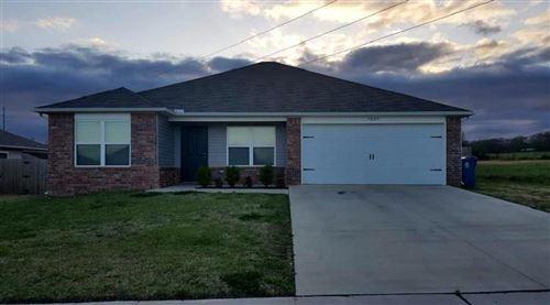 Photo of 7009 Meadows Way, Bentonville, AR 72713 (MLS # 1180301)
