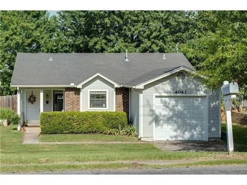 Photo of 4043 N Old Missouri Road, Fayetteville, AR 72703 (MLS # 1175317)