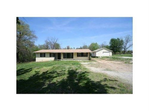 Photo of 2901 Perry Road, Rogers, AR 72758 (MLS # 1201347)