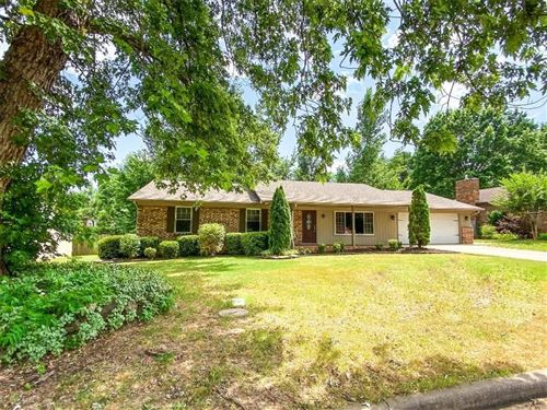 Photo of 2335 E Sweetbriar Drive, Fayetteville, AR 72703 (MLS # 1151360)