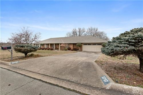 Photo of 2707  W Chateau  DR, Rogers, AR 72758 (MLS # 1138406)