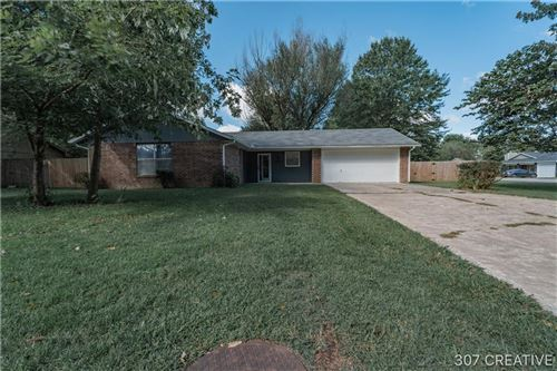 Photo of 2333 Clover Drive, Fayetteville, AR 72701 (MLS # 1161432)