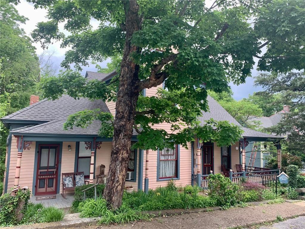 11 Singleton Street, Eureka Springs, AR 72632 - #: 1189444