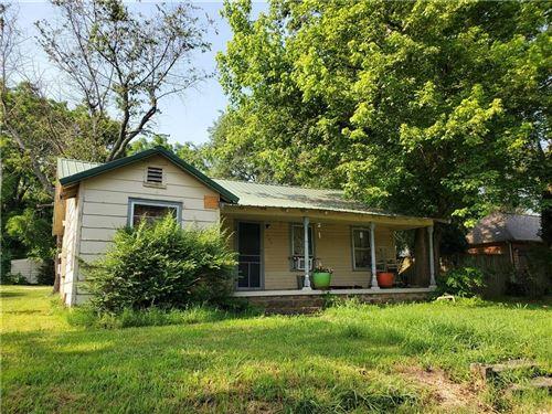 Photo of 206 W Parks Street, Prairie Grove, AR 72753 (MLS # 1188466)