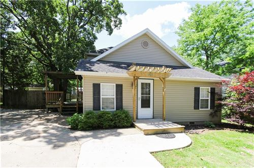 Photo of 203 W Miller Street, Fayetteville, AR 72703 (MLS # 1164492)