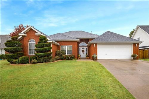 Photo of 501 Whitney Street, Bentonville, AR 72712 (MLS # 1164507)