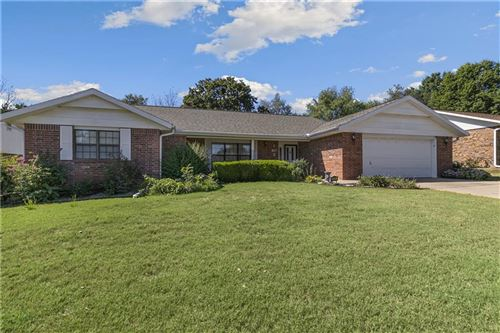 Photo of 1406 Countrywood Place, Rogers, AR 72758 (MLS # 1198508)