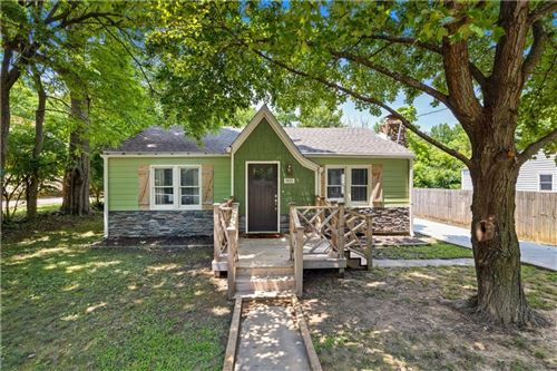 Photo of 905 Mission Boulevard, Fayetteville, AR 72701 (MLS # 1192539)
