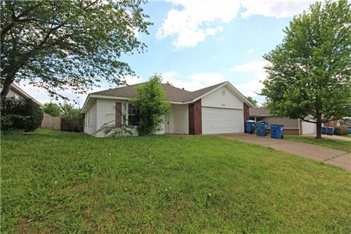 Photo of 2405 Choctaw Street, Bentonville, AR 72712 (MLS # 1184569)