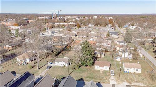 Photo of 203 SE 7th Street, Bentonville, AR 72712 (MLS # 1167581)
