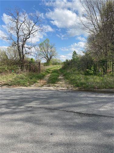 Photo of 648 E Post Road, Rogers, AR 72758 (MLS # 1180585)
