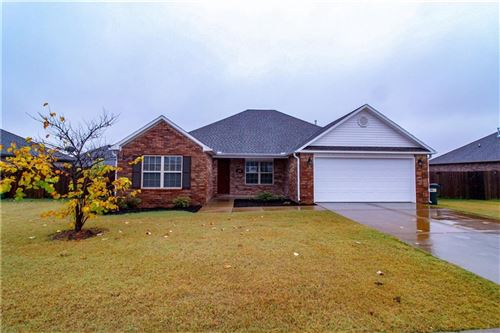 Photo of 601 Lasso Lane, Centerton, AR 72719 (MLS # 1164614)
