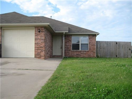 Photo of 200  E Laura  ST, Rogers, AR 72758 (MLS # 1133634)