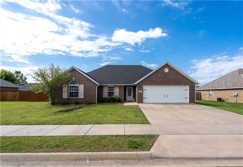 Photo of 8004 Overland Road, Siloam Springs, AR 72761 (MLS # 1184653)