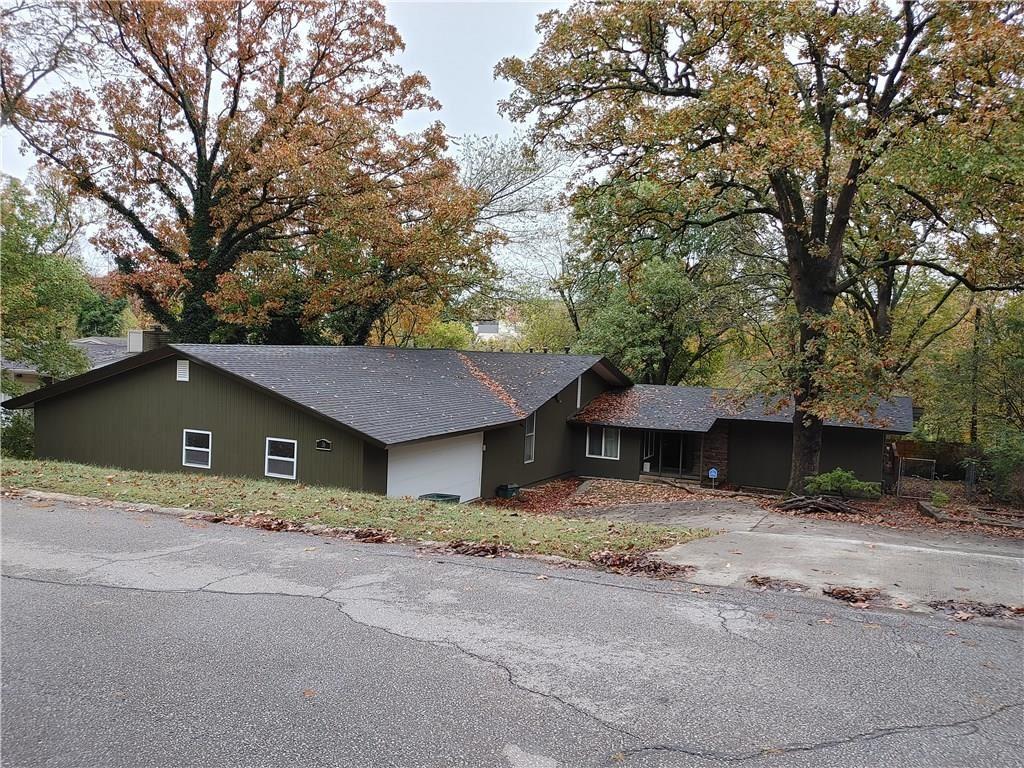 36 N Hartman Avenue, Fayetteville, AR 72701 - #: 1164680