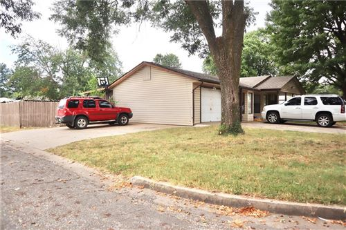 Photo of 902 N 13th Place, Rogers, AR 72756 (MLS # 1157694)