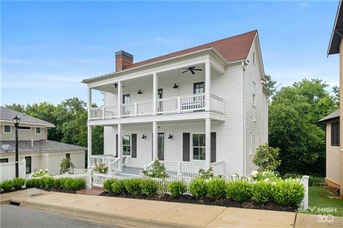 Photo of 1836 N Clifton Avenue, Fayetteville, AR 72701 (MLS # 1201737)
