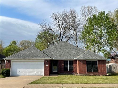 Photo of 5572 Country, Fayetteville, AR 72701 (MLS # 1180774)