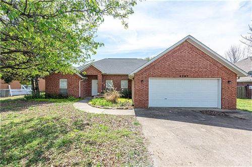 Photo of 4297 W Bell Flower Drive, Fayetteville, AR 72704 (MLS # 1143795)