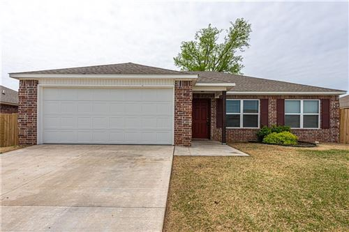 Photo of 404 W Fitchberg, Siloam Springs, AR 72761 (MLS # 1180826)