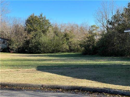Photo of 417 Graham Avenue, Berryville, AR 72616 (MLS # 1167837)