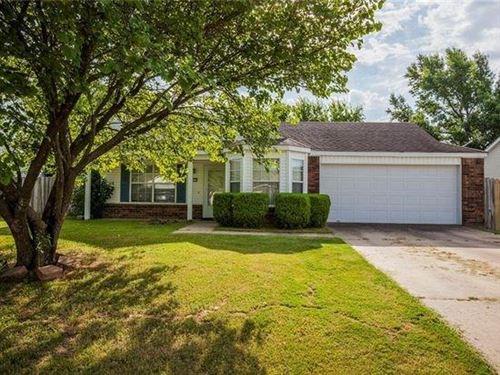 Photo of 1105 Tunbridge Drive, Bentonville, AR 72712 (MLS # 1159856)