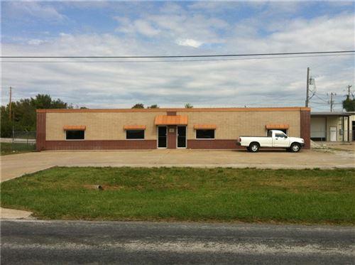 Photo of 200 SW 28th Street, Bentonville, AR 72712 (MLS # 1192934)