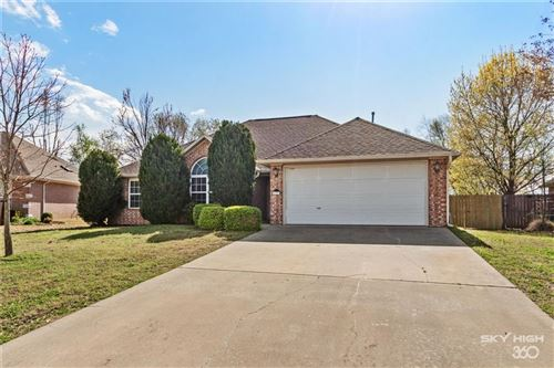 Photo of 5221 S 60th Place, Rogers, AR 72758 (MLS # 1143935)