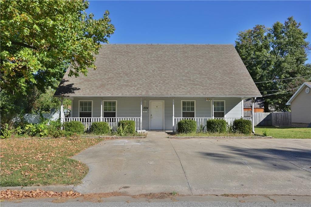 1604 Walker Avenue, Springdale, AR 72762 - #: 1161986