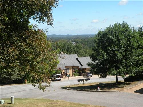 Photo of 21 Oak Point Drive, Holiday Island, AR 72631 (MLS # 1160999)