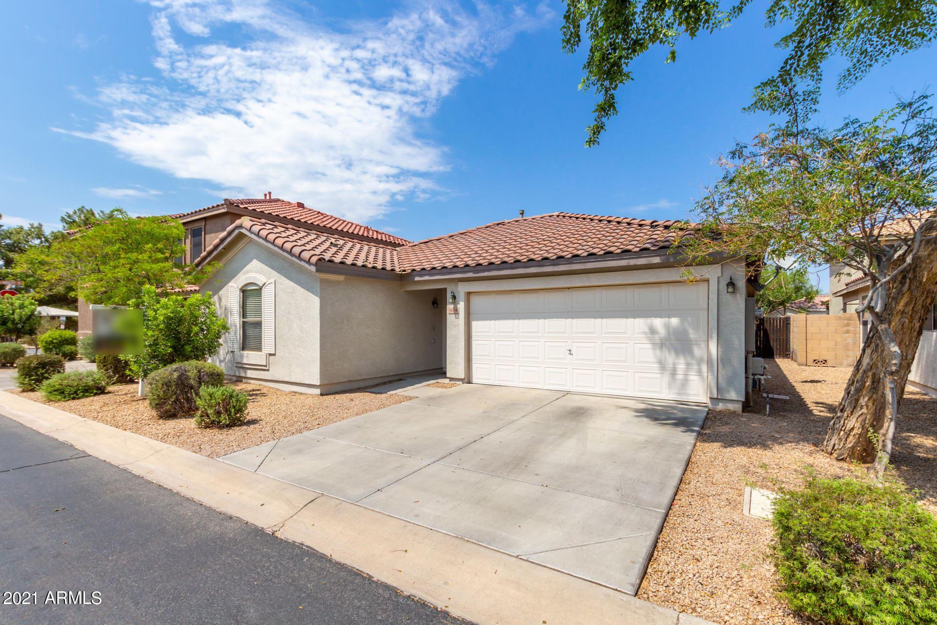 Photo of 654 E WINCHESTER Way, Chandler, AZ 85286 (MLS # 6269001)
