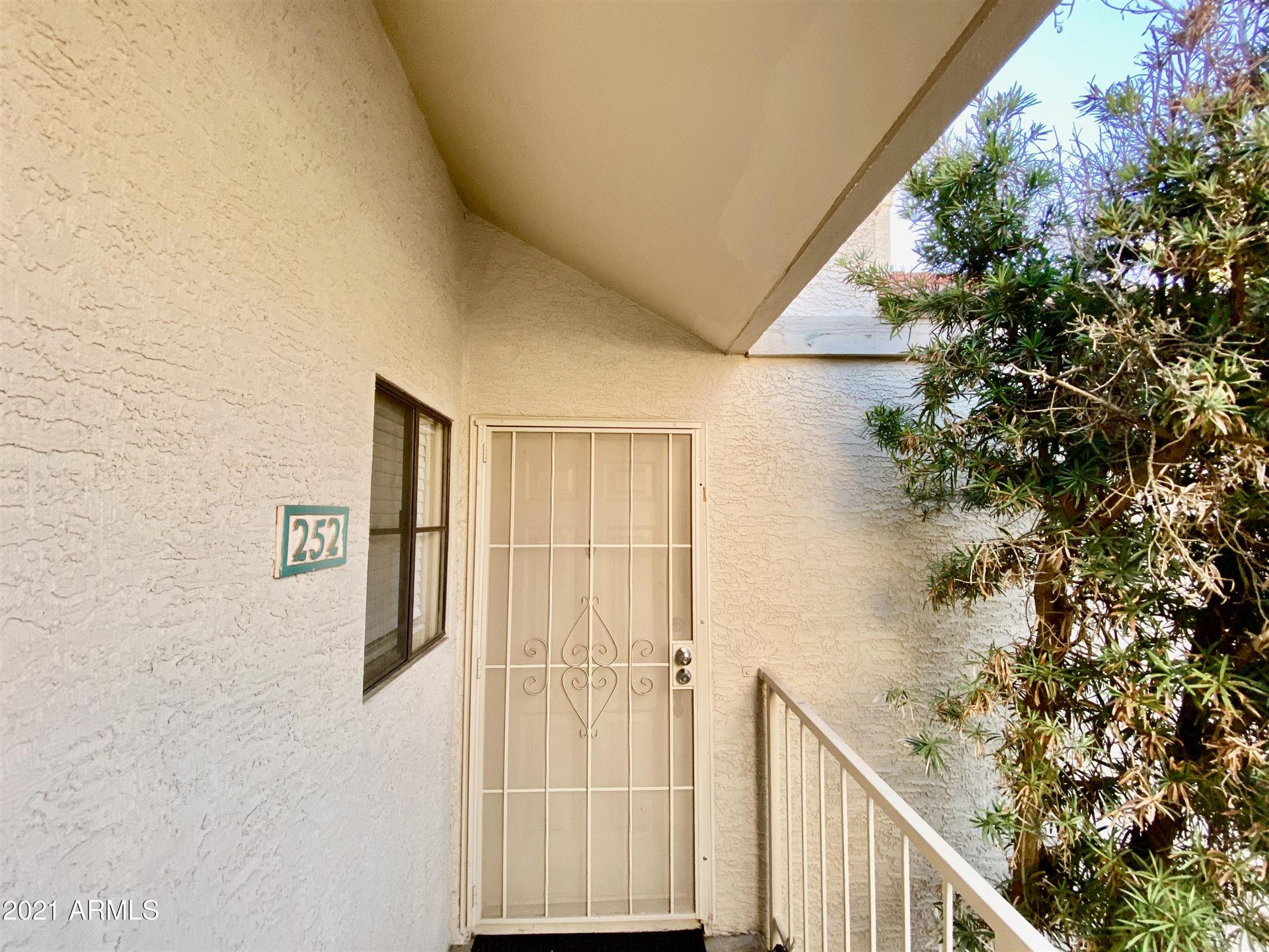 Photo of 2855 S EXTENSION Road #252, Mesa, AZ 85210 (MLS # 6201005)