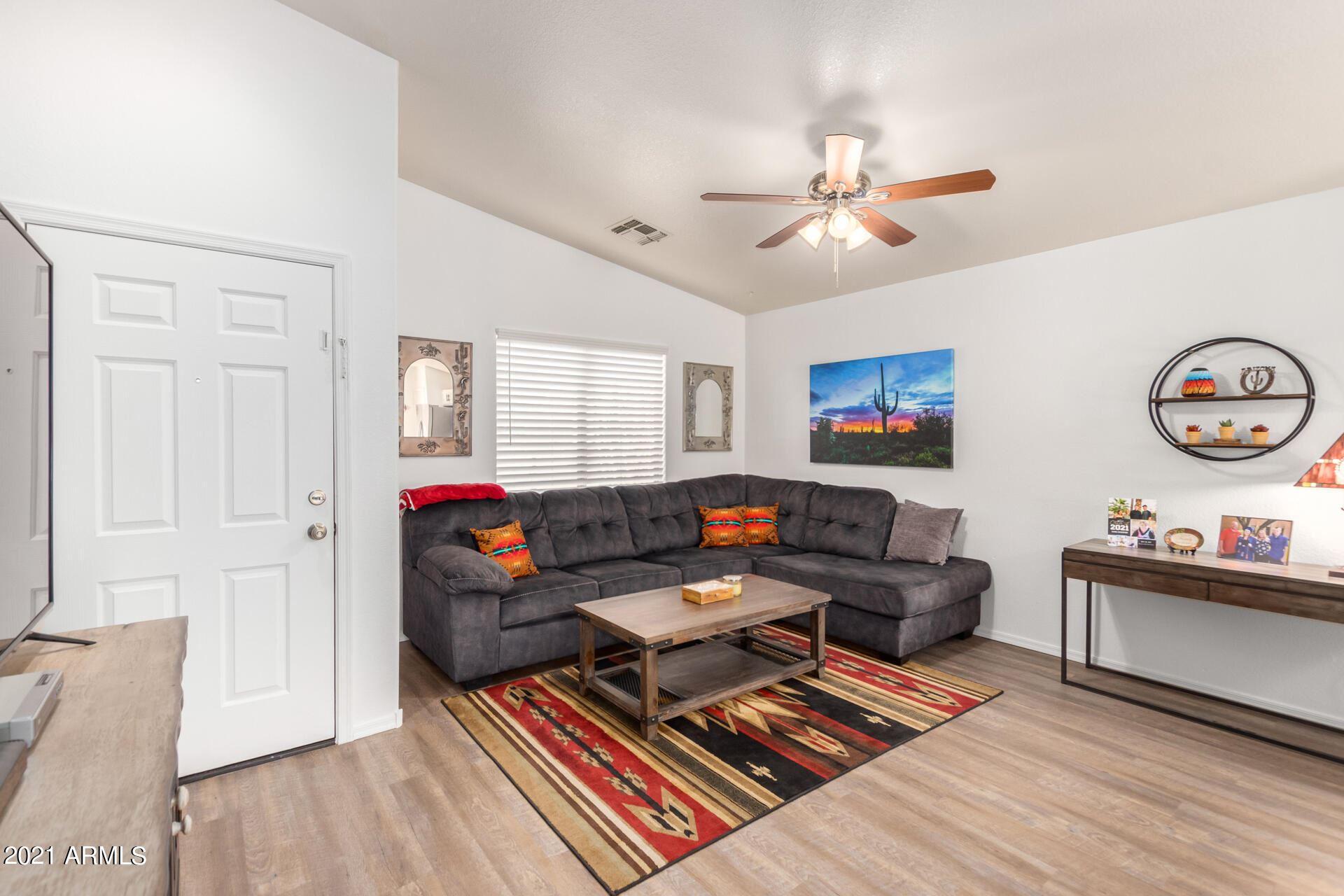 Photo of 1267 W DIAMOND Avenue, Apache Junction, AZ 85120 (MLS # 6307005)