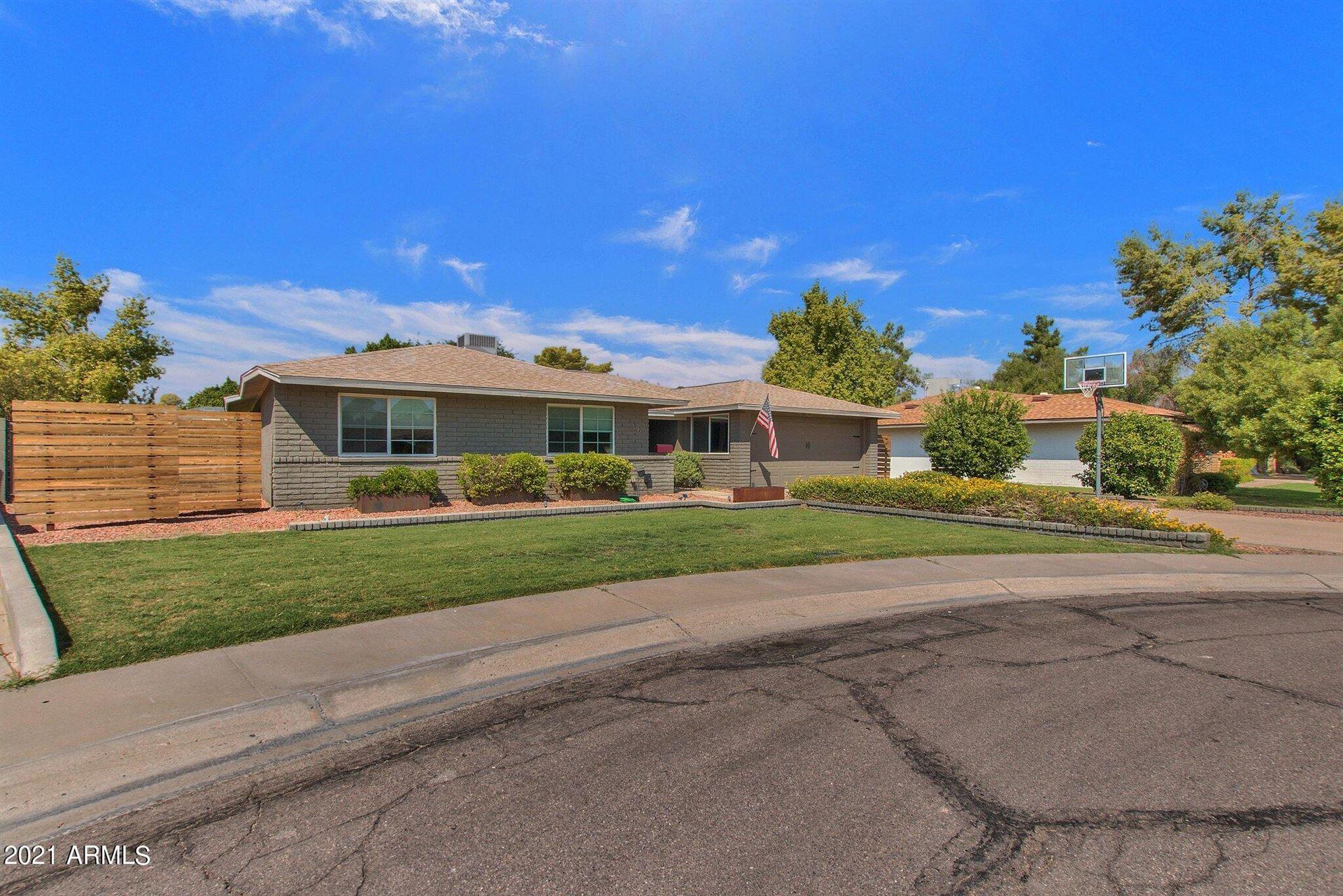 Photo of 5926 S NEWBERRY Road, Tempe, AZ 85283 (MLS # 6295009)
