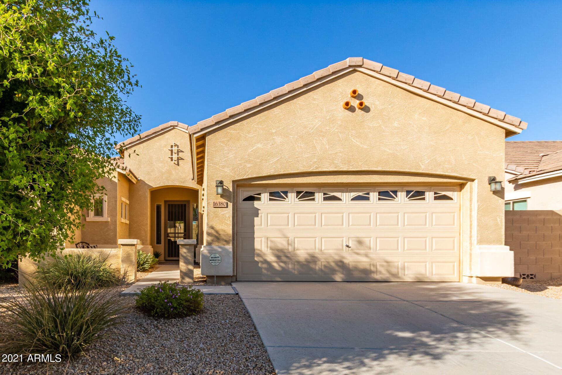Photo of 16380 W CAMERON Drive, Surprise, AZ 85388 (MLS # 6307009)