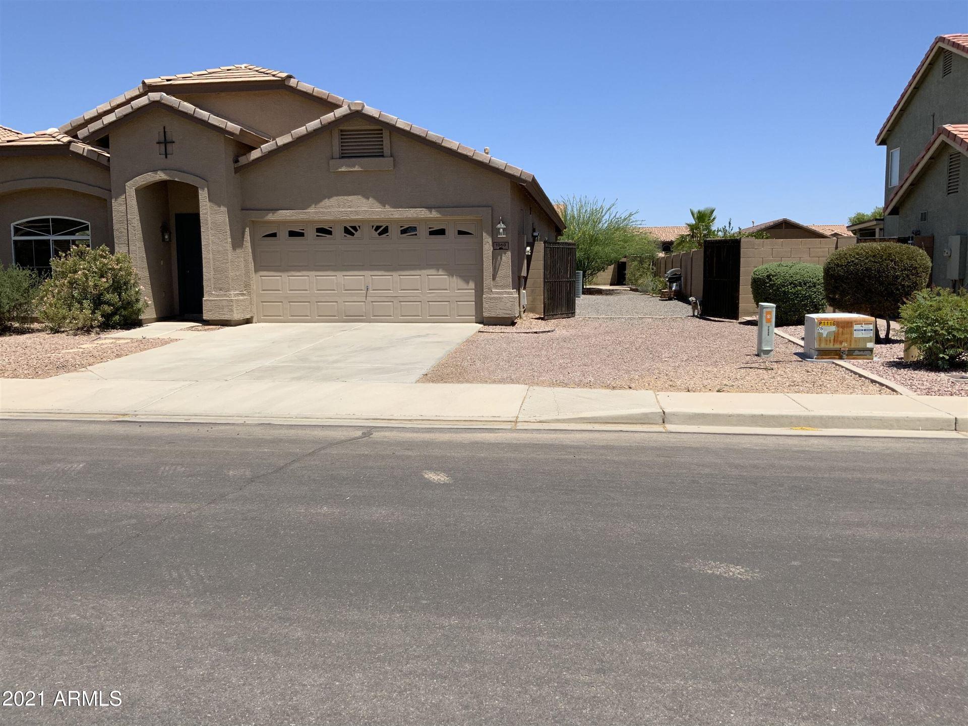 Photo of 1060 E STIRRUP Lane, San Tan Valley, AZ 85143 (MLS # 6250010)