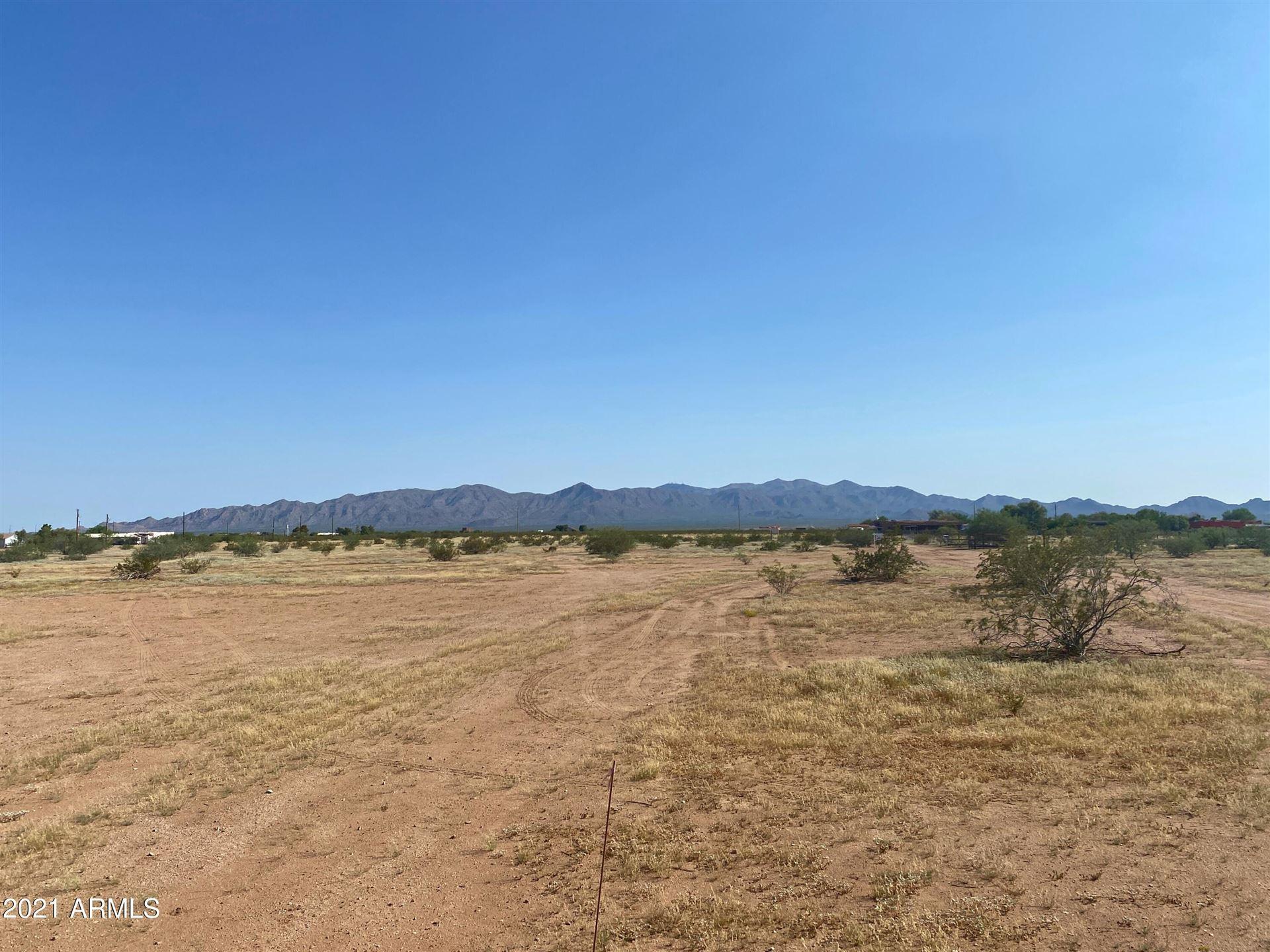 Photo of 24000 W Jomax Road, Wittmann, AZ 85361 (MLS # 6287010)