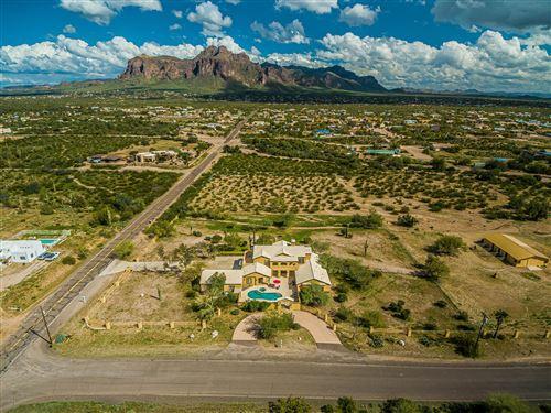Photo of 1527 N WICKIUP Road, Apache Junction, AZ 85119 (MLS # 6048012)