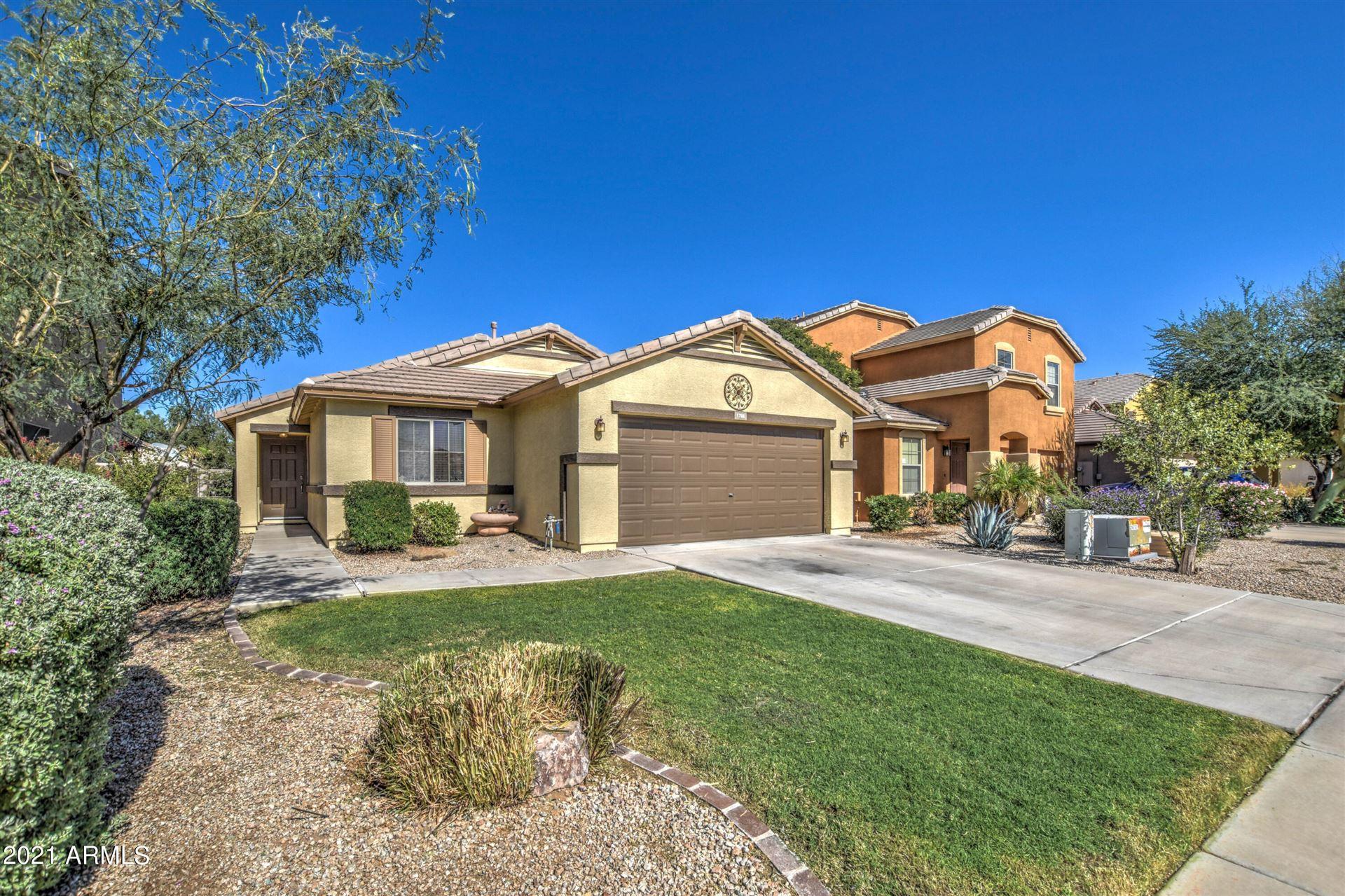 Photo of 1788 W DESERT MOUNTAIN Drive, Queen Creek, AZ 85142 (MLS # 6306012)